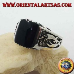 Silver ring with rectangular onyx and high relief Zulfiqar scimitars on the sides