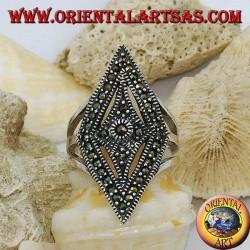 Anello in argento a forma di rombo tempestato di marcassiti