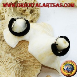 Silver earrings with rounded black enamelled circle 10 x 4 mm.
