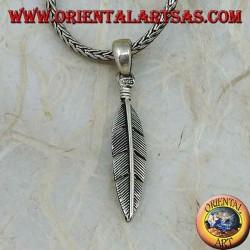 Серебряный кулон с перьями прямой, символ очищения (средний)