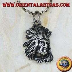 Ciondolo in argento volto di un indiano nativo in rilievo