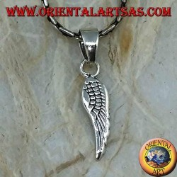 Ciondolo in argento a forma di ala d'angelo bifacciale con piume incise (piccolo)