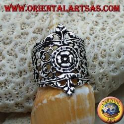 Anello in argento con decori floreali in stile Liberty traforati