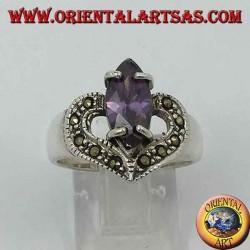 Anello in argento cuore con ametista naturale a navetta e marcassite