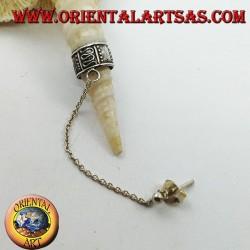 Orecchino Ear Cuff in argento con catenella, serpentine e puntini in altorilievo