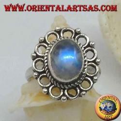 Серебряное кольцо с овальной радугой лунного камня и оголовьем (16)