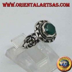 Silver ring with octagonal green agate surrounded by triangles and rose on the sides