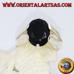Bague en argent avec onyx ovale facetté