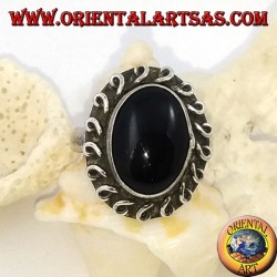 Silver flower ring with oval cabochon onyx and rolled line