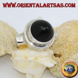 خاتم فضة مع عقيق مخروطي الشكل