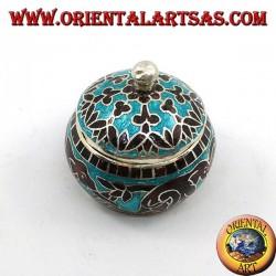 Scatolina in argento con pomello cesellata e smaltata a fuoco con elefanti concatenati e decori (azzurra)