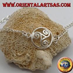 Мягкий серебряный браслет с цепочкой с трискеллом по кругу в центре