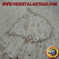 Weiches Silberkettenarmband mit Hand von Fatima mit Blume auf der Handfläche in der Mitte