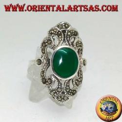 Anello in argento con agata verde ovale su montatura barocca traforata e tempestata di marcassiti