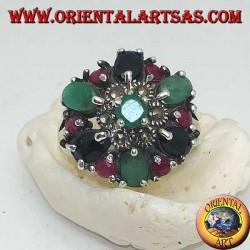 Anello in argento, fiorellino con smeraldo e marcassiti contornato da rubini,smeraldi e zaffiri incastonati