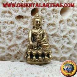 """Buddha-Skulptur """"Bhumisparsha Mudra - Unterwerfung des Dämons Mara"""" auf der Messing-Lotusblume (klein)"""