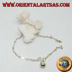 Cavigliera in argento a maglia con inserti lisci e un campanellino
