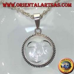 Ciondolo in argento con sole incavato su cristallo di rocca tondo e bordo a intrecci