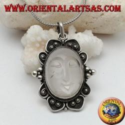 Ciondolo in argento con sole incavato su cristallo di rocca ovale e bordo decorato