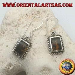 Boucles d'oreilles en argent avec ambre rectangulaire encadrées par un tissage