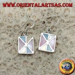 Boucles d'oreilles rectangulaires en argent avec divers triangles de nacre multicolore