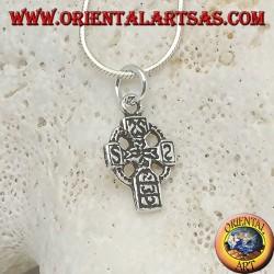 Pendentif en argent croix celtique avec runes gravées (petit)
