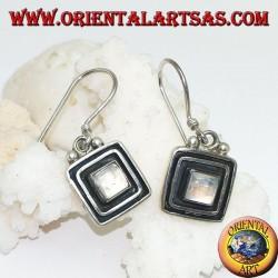 Серебряные серьги с квадратным радужным лунным камнем, окруженным двойной поднятой рамкой
