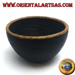 Bol aborigène Lombok en bois d'acajou et bordure en osier clair de 30 cm