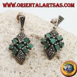 Серебряные серьги с круглым изумрудом в звезде из натуральных овальных изумрудов и двух марказитовых ромбов