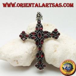 Grand pendentif croix chrétienne en argent en navette naturelle et grenats ronds