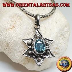 Ciondolo in argento a fiore di loto con palline e topazio azzurro naturale ovale al centro