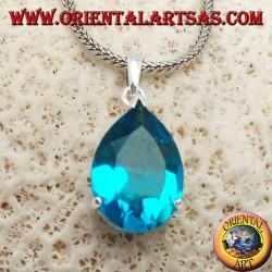 Ciondolo in argento con topazio azzurro sfaccettato incastonato
