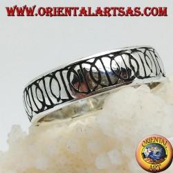 """Ring in Silber mit eingeketteten """"D"""" -Symbolen der nuklearen Abrüstung (Symbol des Friedens)"""