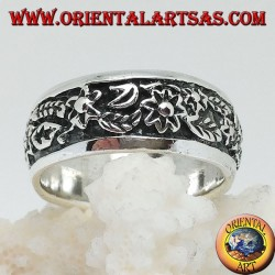 Ring in silver with continuous floral decoration in high relief