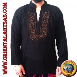 Long-sleeved kaftan sweater with embroidery and V-neck with Korean collar (L)