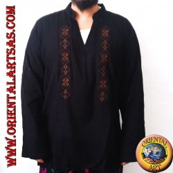 Long-sleeved kaftan shirt with embroidery and V-neck with Korean collar (XL)