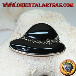 """""""Cloche"""" hat shaped silver brooch in onyx and marcasite"""
