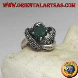 Anello in argento con smeraldo ovale naturale incastonato avvolto in 3D da fili con maracssite