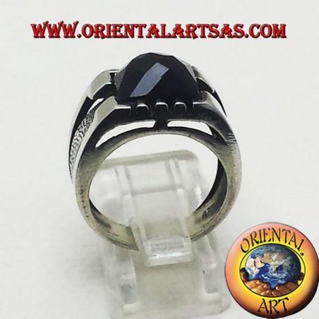 anello con onice sfaccetata
