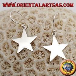 Серебряные серьги с маленькой гладкой плоской звездочкой
