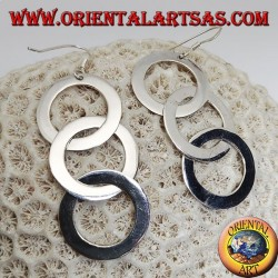 Orecchini in argento tre anelli lisci e piatti concatenati pendenti