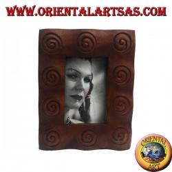 Cadre photo à spirales gravé en bois de pin 25x20 cm