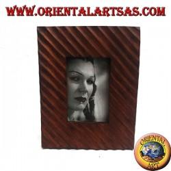 Cadre photo à lignes obliques gravé en bois de pin 25x20 cm