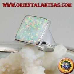 Anello in argento con opale arlecchino quadrato grande con trafori sugli spigoli