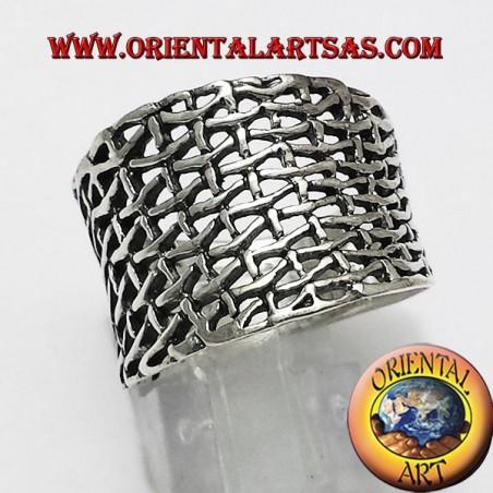Anello a fascia larga in argento, a rete concava