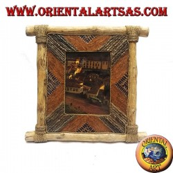 Vertical photo frame in coffee wood and decorations in bark and natural elements 35 x 33 cm