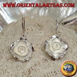 Серебряные серьги в форме большой розы с атласной отделкой