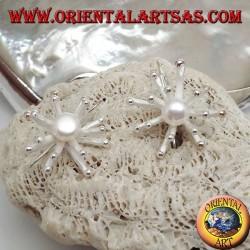 Серебряные серьги в форме морского анемона в атласной отделке с центральным белым пресноводным жемчугом