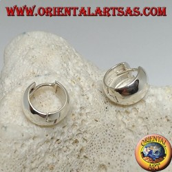 Boucle d'oreille ronde simple en argent et fermeture à pression 8 x 14 mm