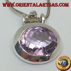 Ciondolo in argento con una splendida grande ametista naturale ovale sfacettata su montatura liscia orizzontale